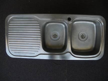 Kitchen Sink - 1 and Half Bowls
