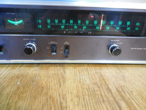 SANSUI TU-9500 AM/FM STEREO TUNER in very nice shape....one owner...handsome