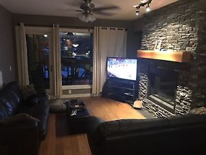Room for rent in my three sisters condo