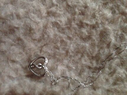 REAL SILVER AND DIAMOND NECKLACE and pearl earrings  Gosnells Gosnells Area Preview
