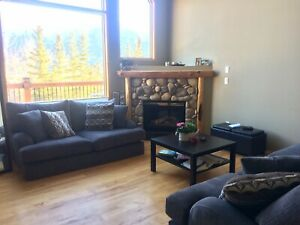 Room for MAY 1st in quiet Peaks condo
