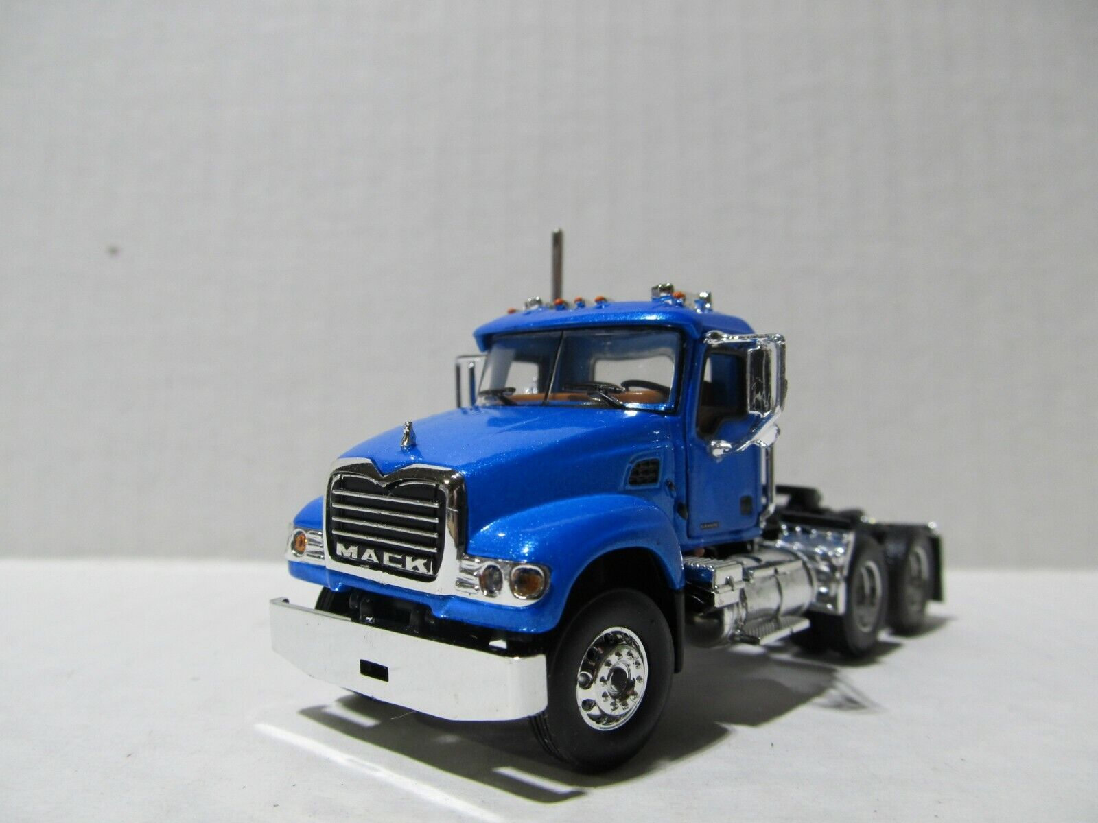 FIRST GEAR 1/64 SCALE MACK GRANITE  DAY CAB, BLUE   (SAME SCALE AS DCP)