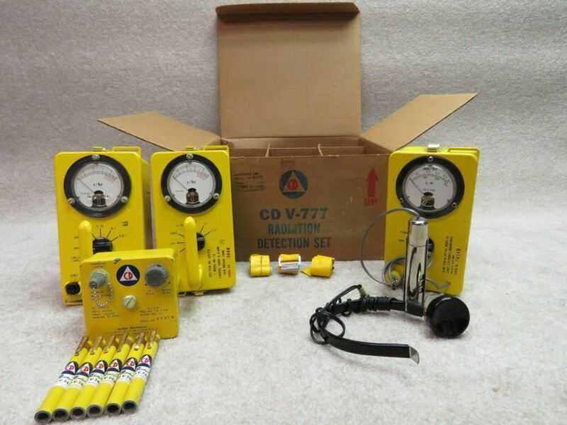 Civil Defense CD V-777 Radiation Detection Set with Original Box Geiger Counter