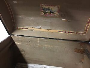 Antique wood and tin trunk Kitchener / Waterloo Kitchener Area image 4