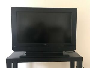 """32"""" RCA LCD TV with Roku"""