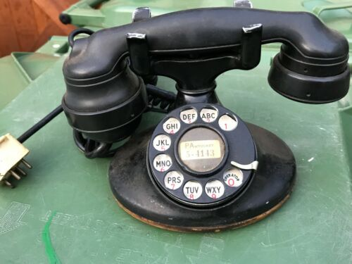 WE   model 202   with   early   E1   handset
