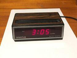 Vintage Spartus Wood Grain Look Alarm Clock Model 1108 Digital Tested