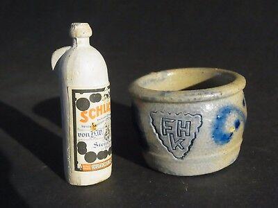 Alte weiße Ton-Flasche und Salzglasur- Faß Topf für Kaufladen Puppenküche  ()