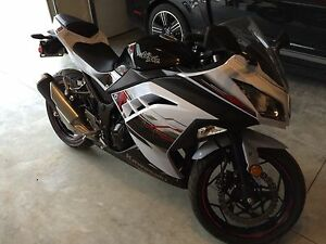 2014 Special Edition Ninja 300. Low k Brand New