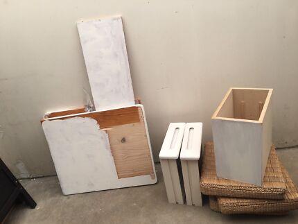 White retro desk - free