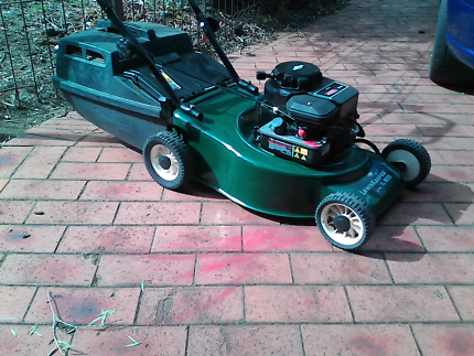 Victa Lawnkeeper 4 stroke mower with catcher and warranty