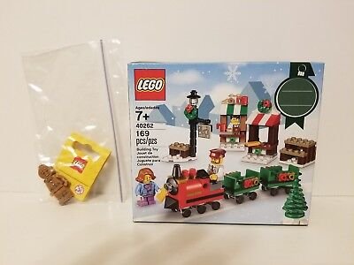Lego 40262 Christmas train set with bonus Gingerbread man keychain 6143954