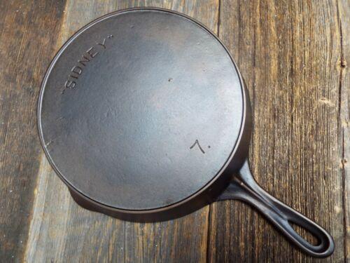 """""""Sidney"""" #7 / 10"""" Cast iron Skillet, Restored"""