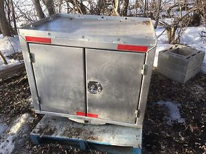 For sale generator box 850 doll