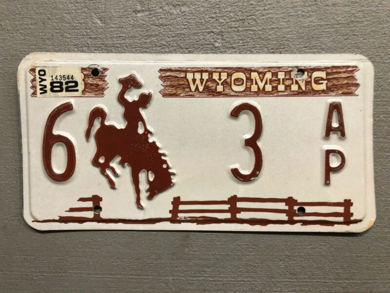 VINTAGE 1978 WYOMING LICENSE PLATE BUCKING BRONCO 6-3AP 1982 LOW NUMBER!!!!