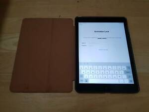 Activation locked Ipad air A1474 32GB, charger, case
