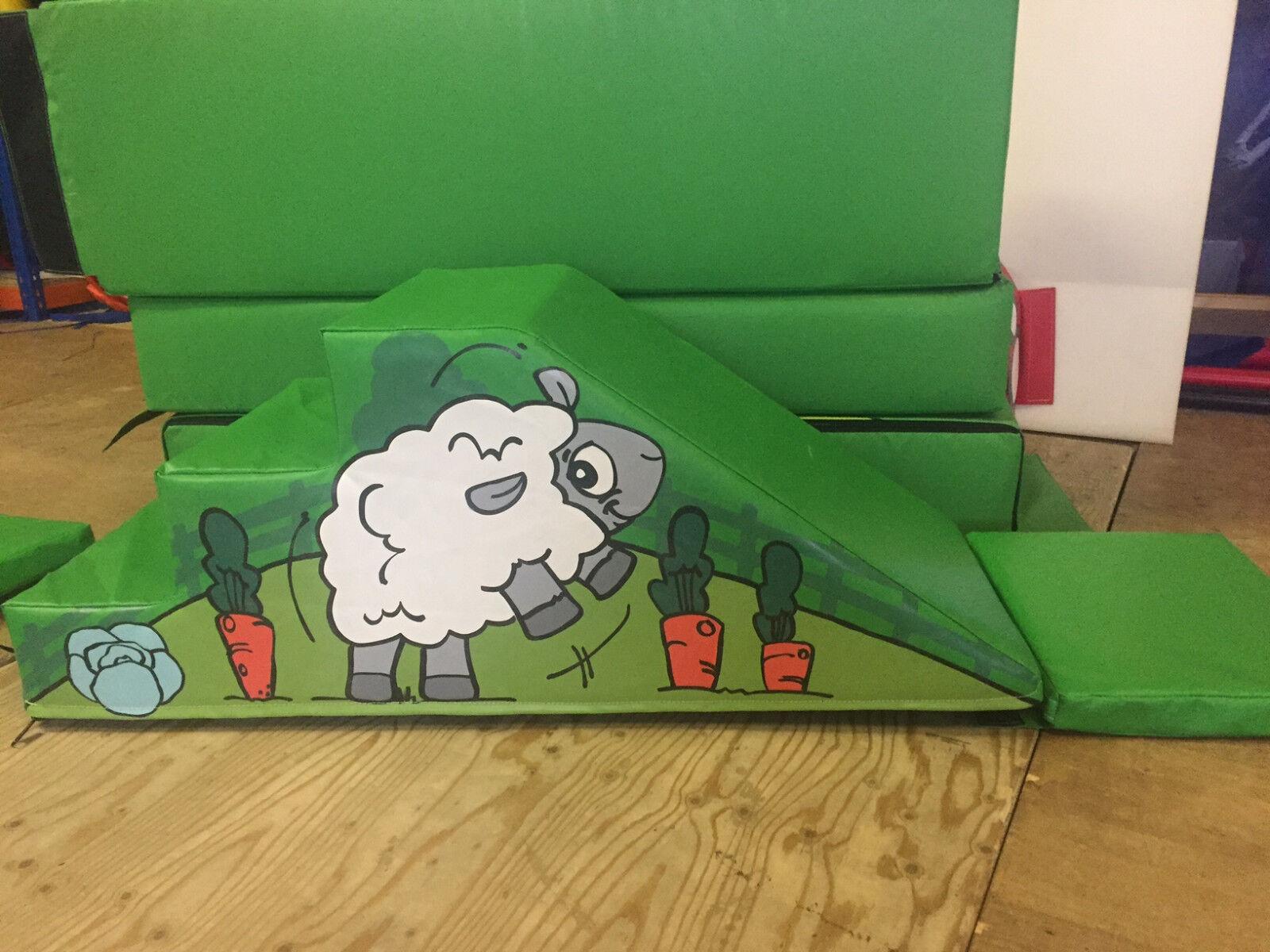 FARM ANIMALS Soft Play Step & Slide  120cm x 50cm x 50.cm