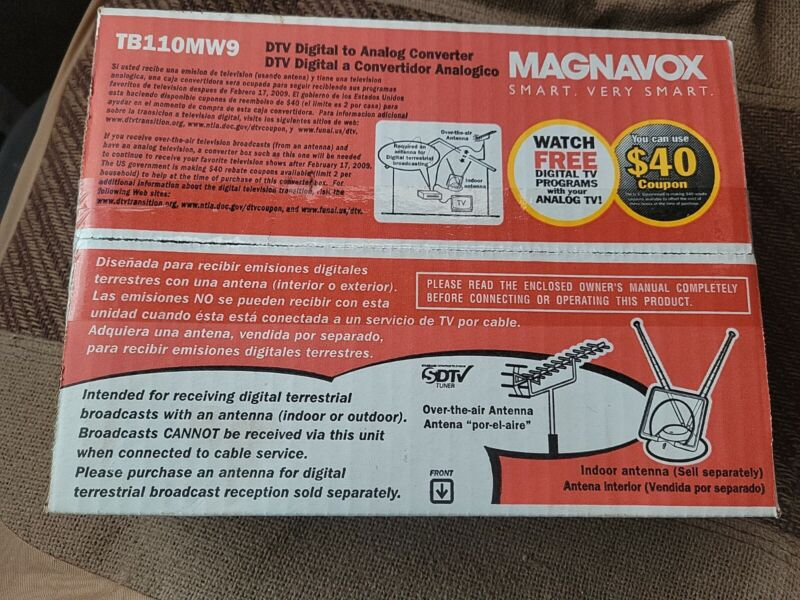 Magnavox TB110MW9 DTV Digital To Analog DTV Converter Box & Remote Fast Shipping