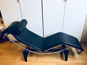 2 MINT LE CORBUSIER LC4 LOUNGE CHAIR CHAISE LONGUE BLACK LEATHER