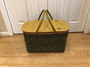Vintage Burlington Iowa Hawkeye Wicker Pie Shelf Picnic Basket