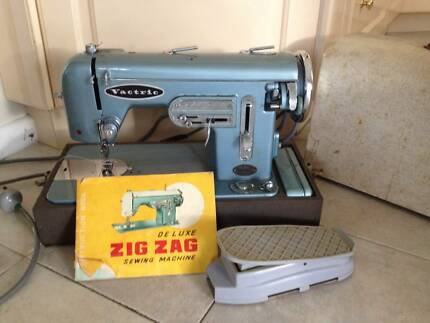 Vintage Vactric Deluxe Zig Zag Sewing Machine Picnic Point Bankstown Area Preview