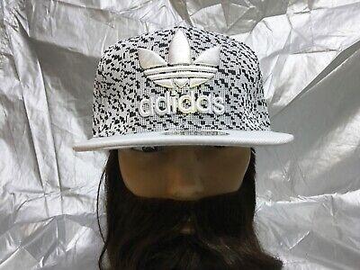adidas Originals Trefoil Snapback Embroidered Flat brim Baseball Cap Hat Lid New