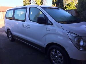 2013 HYUNDAI iMAX 8-SEATERS AUTO EXCELLENT CONDITION Green Fields Salisbury Area Preview