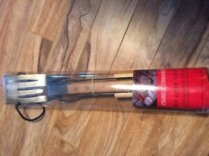 NEW 3 piece oakwood BBQ tool set