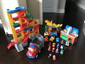 Fisher Price 6 sets - race track, tow truck, mechanic shop, cars