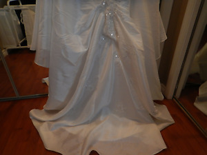 Wedding Gown- two piece Maggie Sottero Size 16