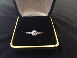 18K WHITE GOLD ENGAGEMENT RING - Best Price --
