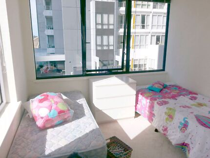 Twin room for a female sharemate in southbank Southbank Melbourne City Preview