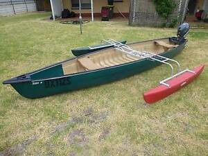 Coleman Scanoe (Canoe) with outriggers and 4hp 4 stroke motor. Highbury Tea Tree Gully Area Preview