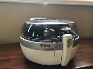 T fal actifry 1 KG (very good condition, needs new paddle $20)