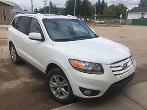 2010 Hyundai Sante Fe All Wheel Drive $15,000