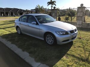 ONLY 88K KMS!!! MAKE AN OFFER! BMW 320i EXECUTIVE! LIKE NEW! LOW KMS