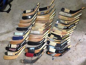 44 palettes de hockey pour gaucher. La moitié sont neuves