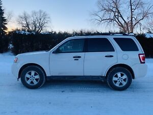 2010 FORD ESCAPE XLT A/C 4x4 V6 185 000km   WOW 3,900$WOW
