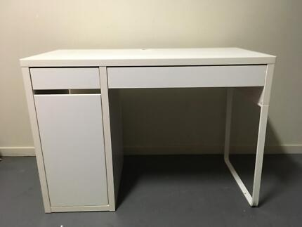 Micke desk white pink t