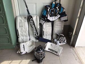 Équipement de gardien de hockey (peut être vendu séparément)