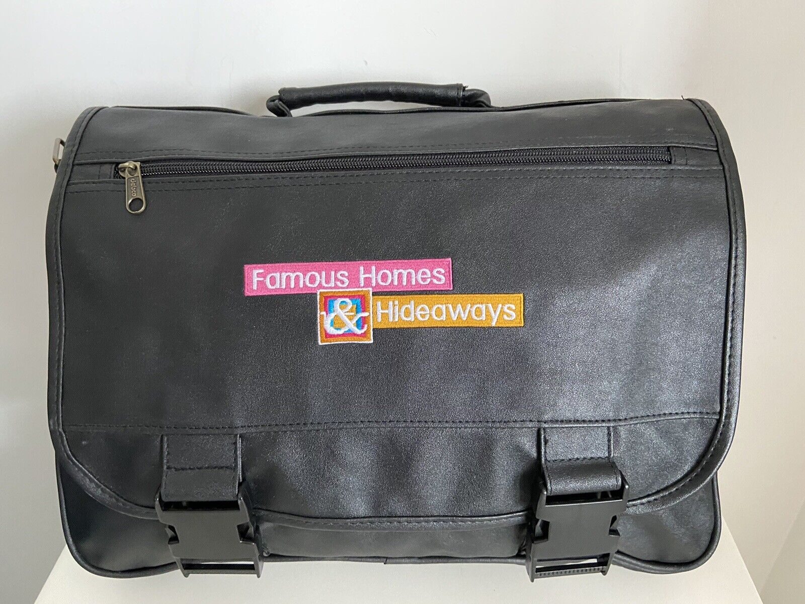 Famous Homes Hideaways TV Show Carryall,Organizer,Tote,Flap,Expands,Travel Bag - $11.00