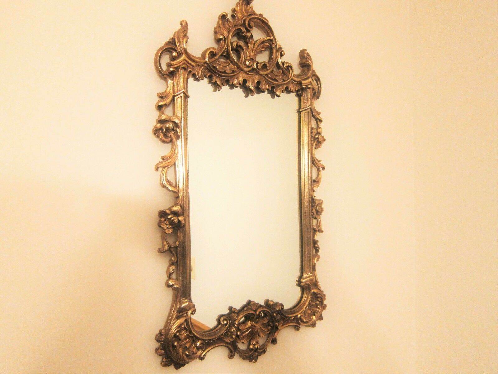Wall Hangings, Mirrors , Decorative Collectibles , Collectibles