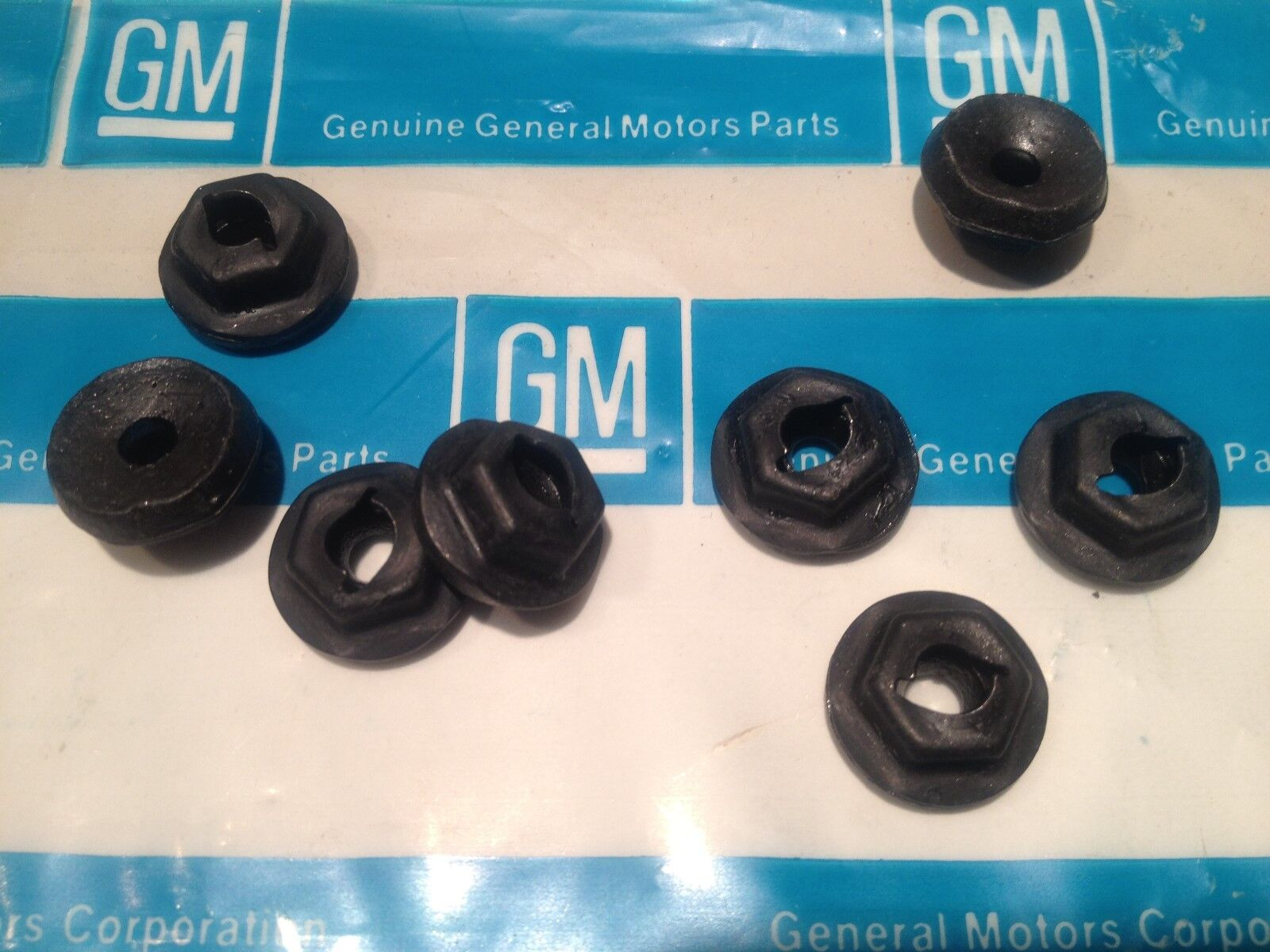 """NOS GM 8 Speed Nuts 3/16"""" 64 66 68 69 71 72 Olds Cutlass 442 Hurst Olds W30 W31"""
