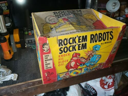 ORIGINAL VINTAGE ROCK EM SOCK EM ROBOTS BY MARX.....FREE SHIP
