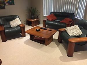 3 piece leather lounge Meadowbrook Logan Area Preview