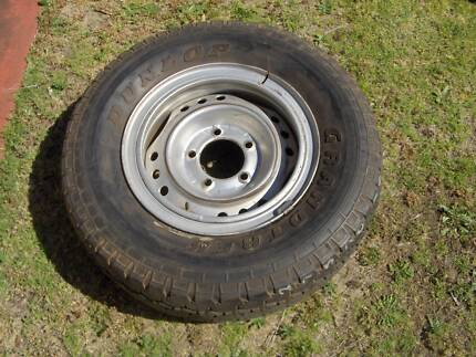 100 series wheels and tyres