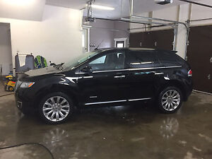 2011 Lincoln MKX AWD. **53,000KM