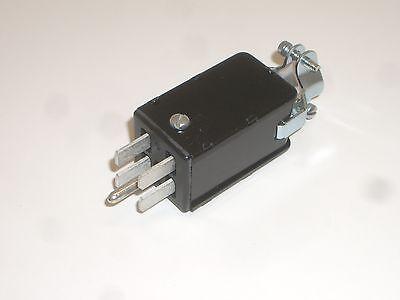 Cinch Jones Beau Molex P-2404-cct Power Connector Plug 4 Pin Metal Hood