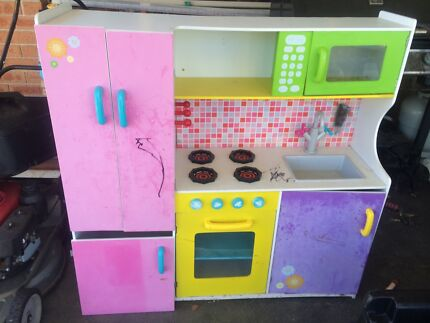 Kids kitchen Wadalba Wyong Area Preview