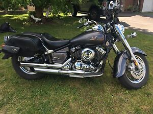Yamaha V-Star 650 Classic W/ Pipes and Bags